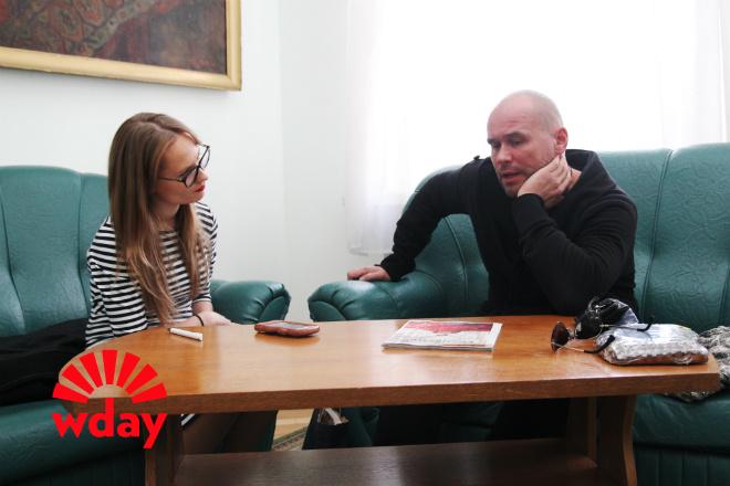 Максим Аверин на интервью с Woman's Day в Туле