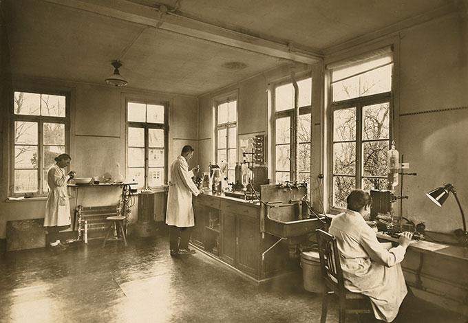 Лаборатория Weleda в городе Швебиш-Гмюнд