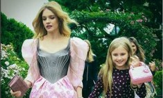 Стиль в крови: Водянова с дочкой на модном показе