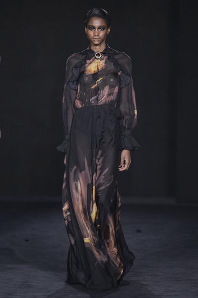 Самые красивые образы Недели моды в Лондоне | галерея [1] фото [78]