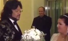Супер видео: Киркоров поймал букет на свадьбе Нетребко