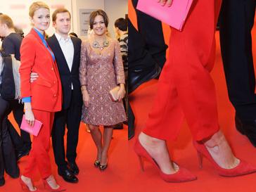 Надежда Михалкова знает, как правильно носить красный