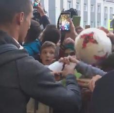 Роналду оставил автограф в паспорте казанского фаната