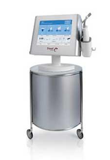 Аппарат нового поколения «Фраксель» Re:fine эффективно омолодит кожу.