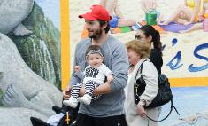 Милота дня: Эштон Кутчер с дочкой на прогулке