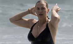 Кейт Уинслет шокировала снимками в купальнике
