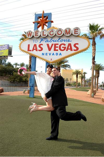 подарок на свадьбу, подарок молодоженам, организация свадьбы, фото свадьбы, свадьба в ростове, свадебные платья Ростов,украшения на свадьбу,нижнее белье,день свадьбы, свадебная фотосессия,свадебные прически, макияж, свадебный макияж, свадебное видео