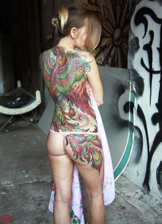 Модные татуировки для девушки