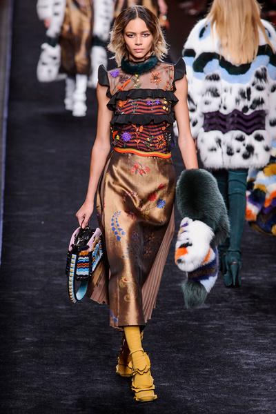 Самые красивые образы Недели моды в Милане | галерея [1] фото [28]