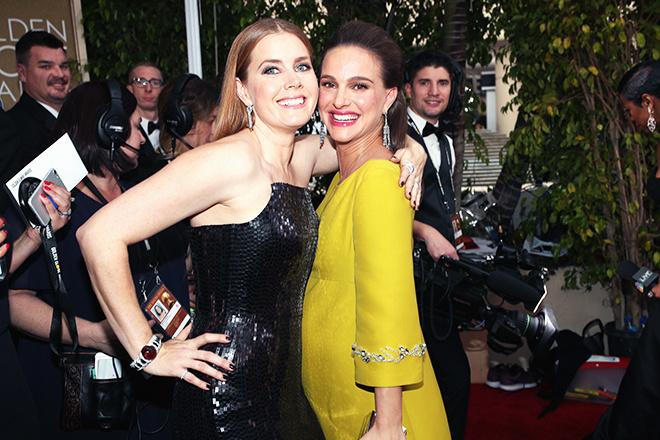 Эми Адамс и Натали Портман на Золотом глобусе-2017