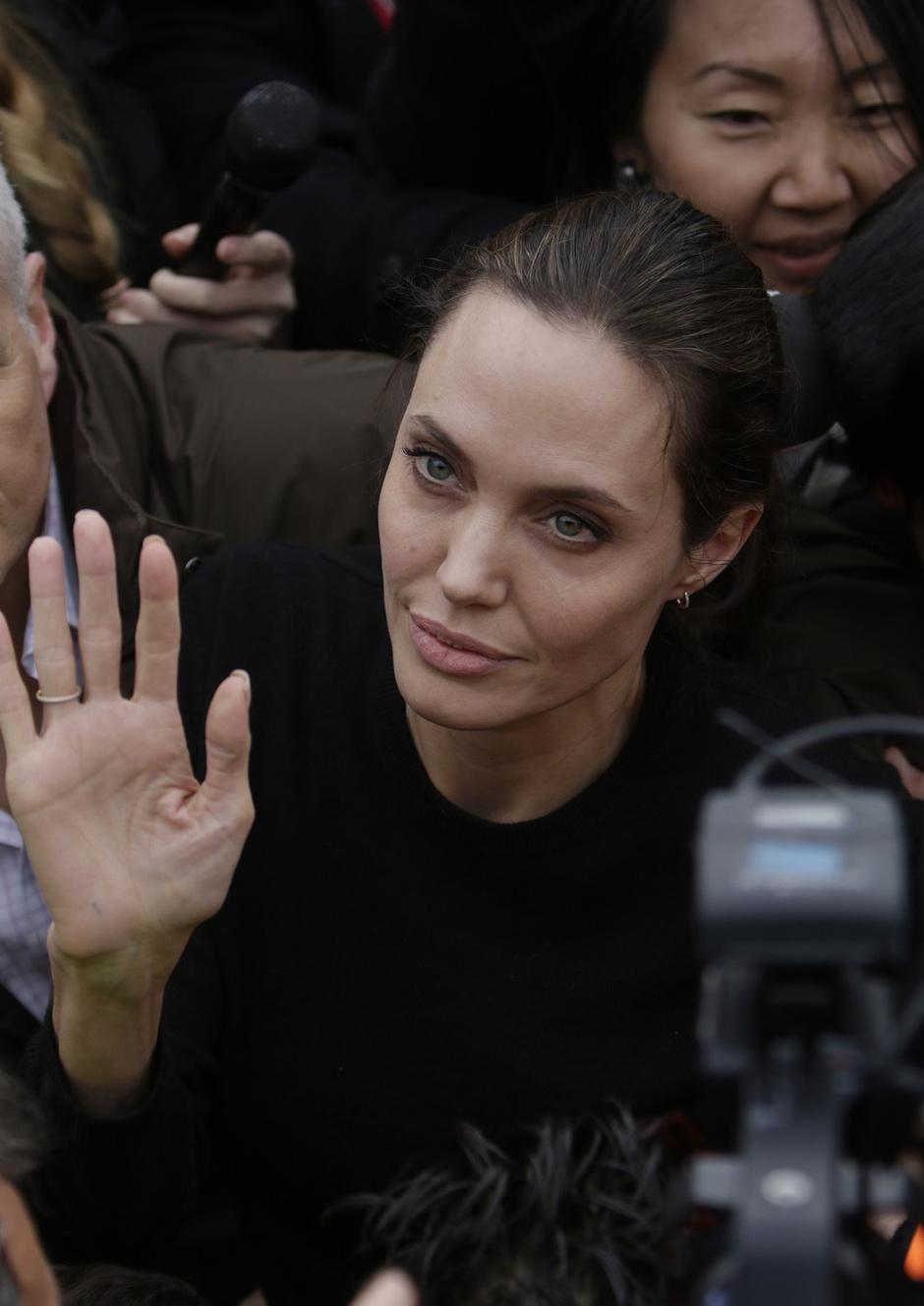 Анджелина Джоли встретилась с генсеком ООН, несмотря на ... анджелина джоли здоровье