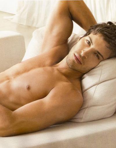 Красивые мужчины модели