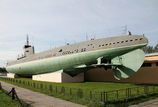 «Подводная лодка Д-2 «Народоволец»