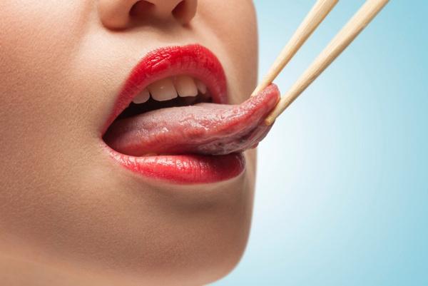 Ощущение что на корне языка попала шерсть