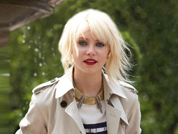 Тейлор Момсен (Taylor Momsen) призналась, что в поездки берет с собой только сухой шампунь