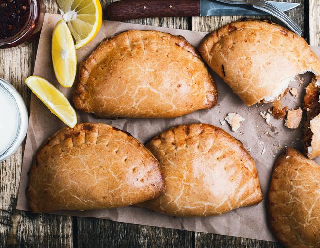 Пирожки с капустой из дрожжевого теста в духовке рецепты с фото