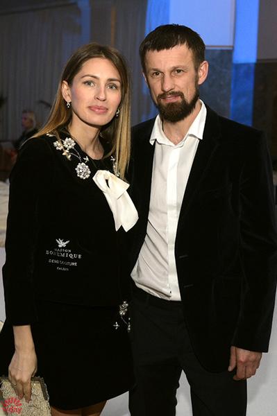 Сергей Семак с супругой Анной на показе Инны Жирковой