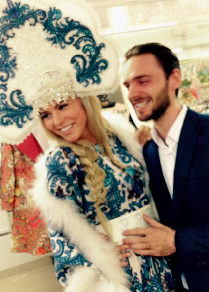 Петербурженка представит Россию на конкурсе красоты в платье под гжель