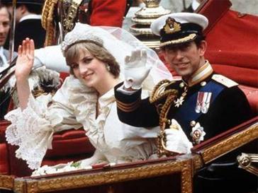 """В отношениях принцессы Дианы и принца Чарльза с самого начала был """"третий лишний""""."""