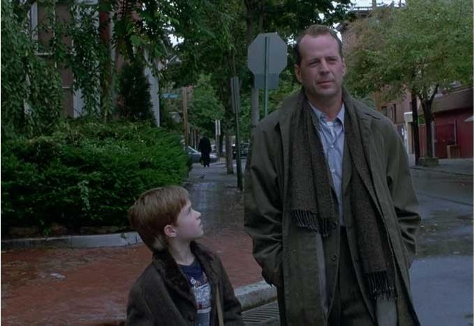 Кадр из фильма «Шестое чувство» (1999 г.)