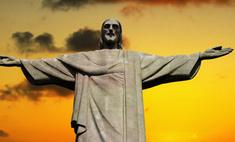 Статую Христа раскрасили под бразильский флаг