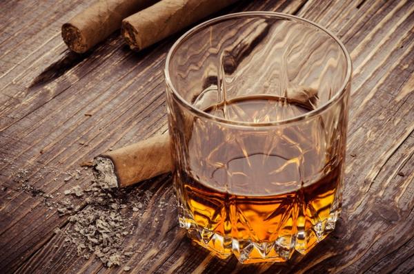 Как правильно пить виски. Видео урок