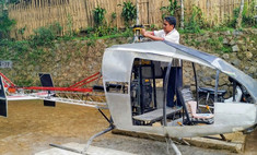 Мужику из Индонезии так надоели пробки, что он с нуля построил себе вертолет (видео)