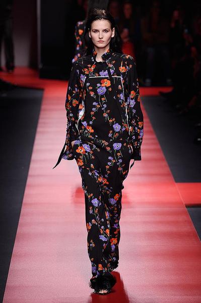 Неделя моды в Милане: день первый   галерея [2] фото [12]