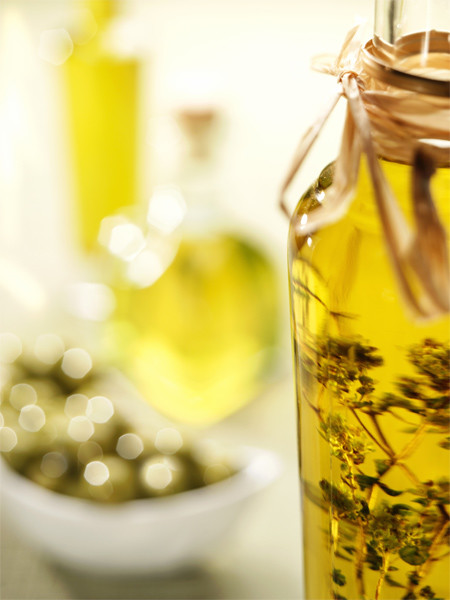 Подсолнечное масло с базиликом и оливками