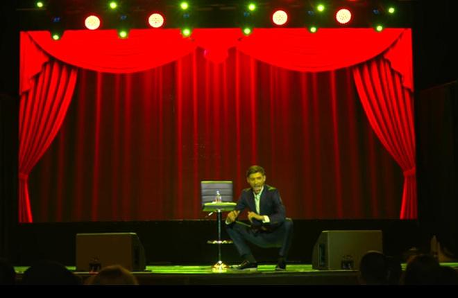 Скриншот видеозаписи выступления в Америке, фото
