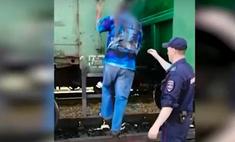 Житель Новосибирска попытался добраться на дачу в грузовом поезде, тот шел без остановок, и мужчина случайно уехал в Кузбасс