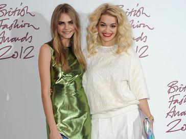 Кара Делавинь (Kara Delavingne) и Рита Ора (Rita Ora) на British Fashion Awards 2012