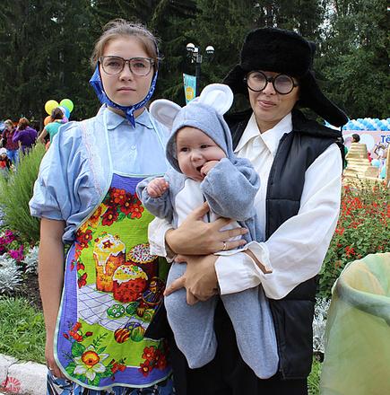 Дина Суриных, Парад колясок в Екатеринбурге 2016, фото