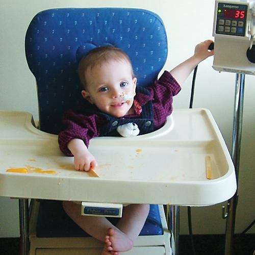Младший брат Райана Итан с 11 месяцев нуждался в дорогостоящем лечении
