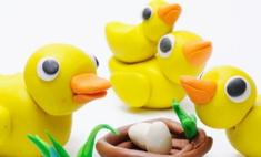 Приятно и полезно: 7 увлекательных игр с кинетическим песком