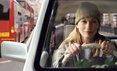 Как водить машину зимой: 10 важных советов профессионала