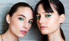 Влажная кожа, изумрудные стрелки: весенние тренды в макияже