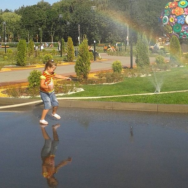 Не совсем под дождем, но зато была радуга #ELLE_ПоющиеПодДождем