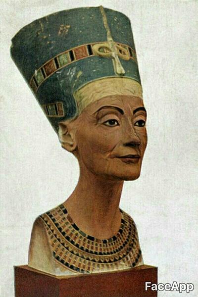 легендарные красавицы в старости Нефертити