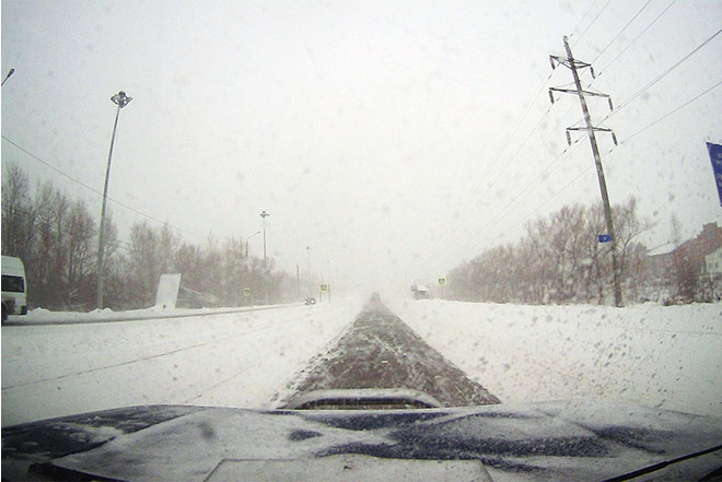 В Челябинске за воскресенье выпало снега более 400 процентов суточной нормы. Фото, подробности
