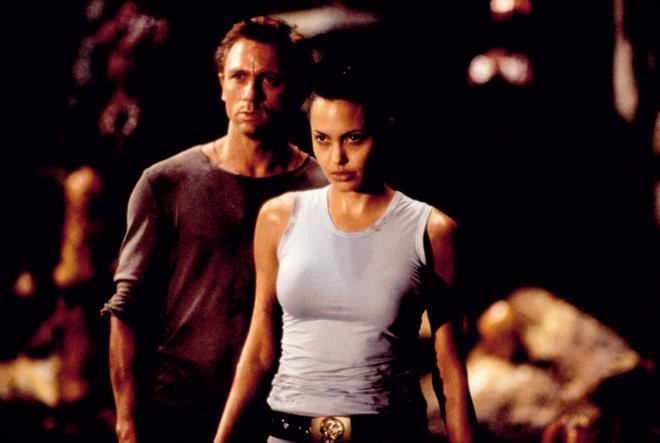 Анджелина Джоли в фильме «Лара Крофт – расхитительница гробниц», 2001.