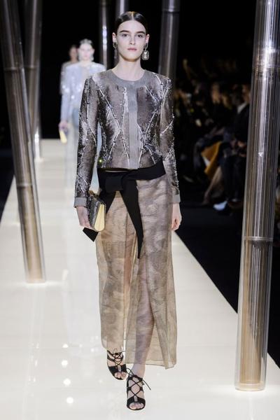 На Неделе высокой моды в Париже прошел юбилейный показ Giorgio Armani Prive | галерея [1] фото [10]