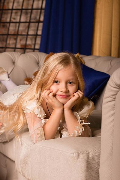 Красивые дети: студийные фото