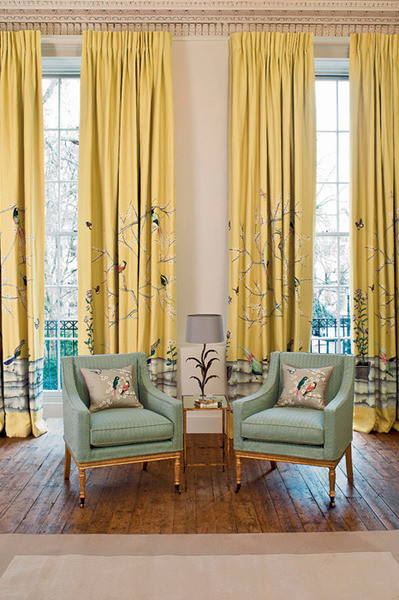 Ткань из коллекции Snow Blossom, Zoffany, салон The English House Rosbri.