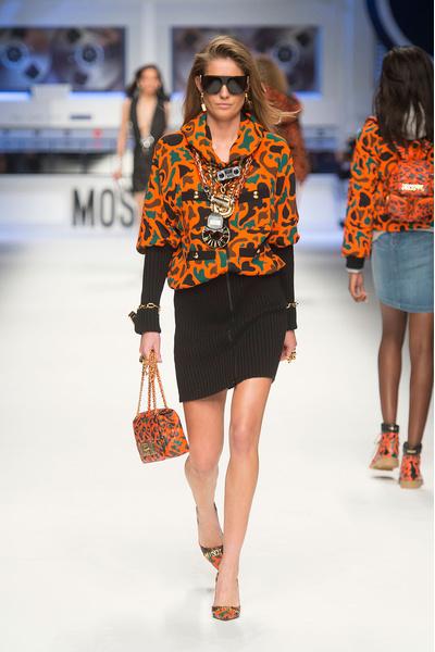 Показ Moschino на Неделе моды в Милане | галерея [4] фото [4]
