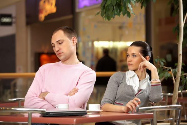 Почему мужчина игнорирует?