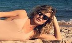Глюк'oZa рассказала, как делать идеальные пляжные селфи