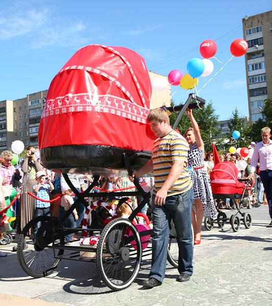 парад колясок тюмень парад колясок тюмень 2015 фото