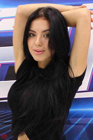 Юлия Падерина, мастер по маникюру, фото