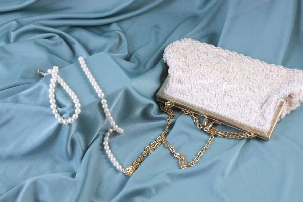 Модная сумка на цепочке